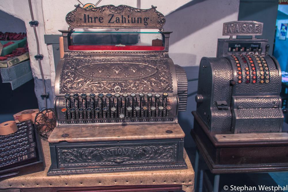 Alte Kassen anno 1882 und 1950