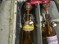 Limonadenfüller mit originalen Flaschen